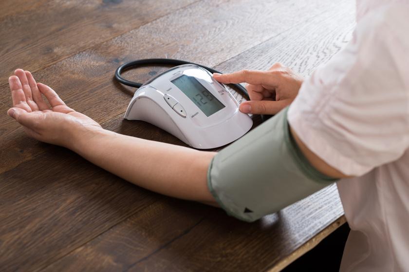 hogyan lehet mérni a vérnyomást magas vérnyomással)