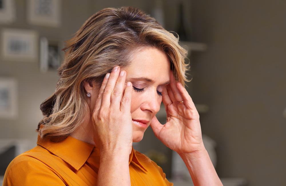 fejfájás hipotenzióval és magas vérnyomással összehasonlítva)