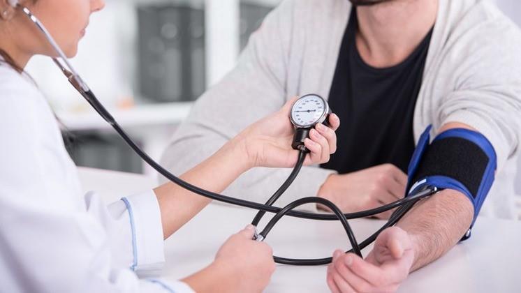 Magas vérnyomás: amikor már kell az orvos