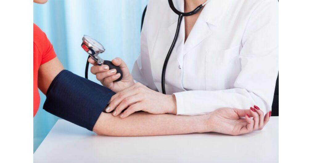 magas vérnyomásban szenvedők élnek