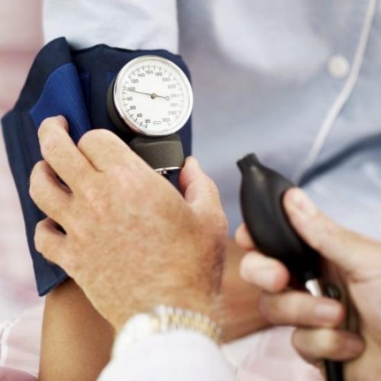 primer hipertóniát okoz