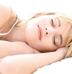 Kevés alvás, magas vérnyomás a tiniknél