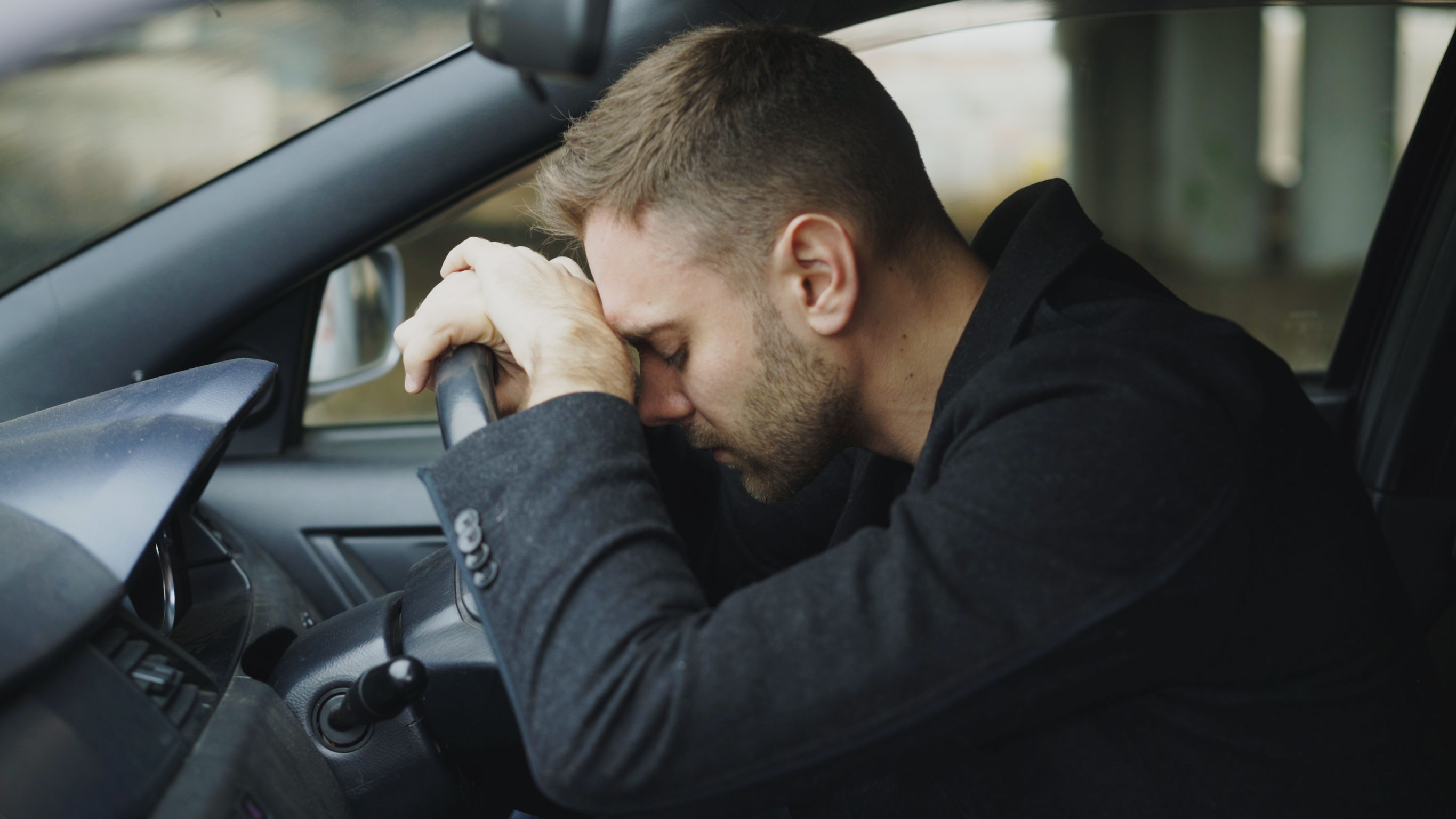 magas vérnyomású autó vezetése)