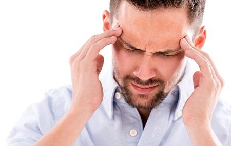 a magas vérnyomás a fej egyik részét fáj