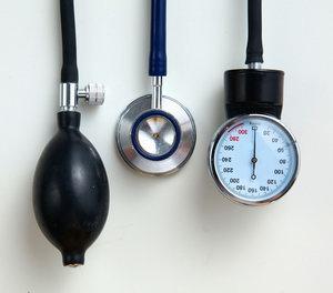 a magas vérnyomást koplalással kezelje