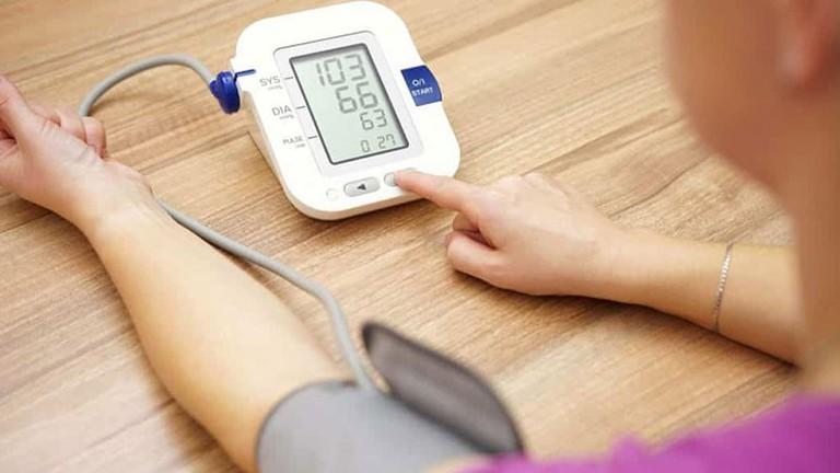 mi az ortosztatikus hipertónia az első magas vérnyomás elleni gyógyszer