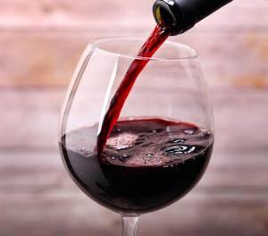 Száraz vörösbor: előnyös és káros az emberi egészségre. Száraz vörösbor: előnyök és károk